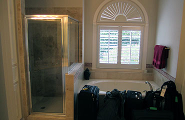 370-x-240-tub-shower-before